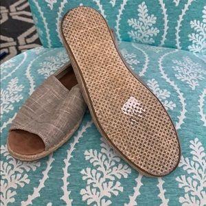 Toms Shoes - TOMS WOMENS SANDALS SIZE 8.5 EUC